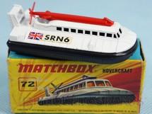 1. Brinquedos antigos - Matchbox - SRN6 Police Hovercraft Superfast