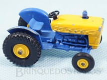 1. Brinquedos antigos - Matchbox - Trator Ford Tractor Black Plastic Regular Wheels