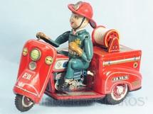 1. Brinquedos antigos - Nomura Toys - Triciclo de bombeiro com 23,00 cm de comprimento Executa um traçado em oito O Boneco faz movimento com os braços e as pernas Década de 1960