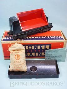 1. Brinquedos antigos - Lionel - Vagão operacional de carvão 3559 Dump Car completo com Carvão plástico 207 Artificial Coal e Bandeja 160 Unloader Bin de baquelite marmorizado Ano 1946