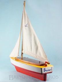 Brinquedos Antigos - Sem identificação - Veleiro Brimar I com casco em madeira maciça Mastro com 50,00 cm de altura Década de 1970