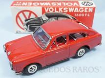 1. Brinquedos antigos - Ichimura - Volkswagen 1600 TL com 18,00 cm de comprimento vermelho Década de 1970