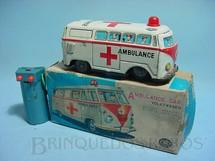 1. Brinquedos antigos - Modern Toys e Masudaya Toys - Volkswagen Kombi ambulância Ano 1967
