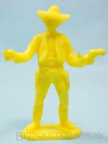 1. Brinquedos antigos - Casablanca e Gulliver - Xerife de pé com dois revolveres de plástico amarelo Década de 1980