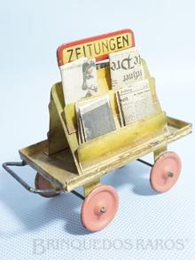 Brinquedo antigo Marklin Carrinho de Estação para Jornais Ano 1935 a 1942 Número 2628 com jornais da época Comprimento 10,00 cm