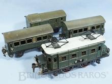 Brinquedo antigo Marklin Conjunto com Locomotiva e três Carros de Passageiros Ano 1939 Comprimento 75,00 cm