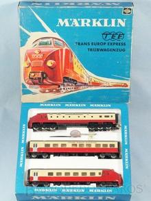Brinquedo antigo Marklin Conjunto Automotriz com duas Locomotivsa Diesel e um carro de passageiros Trem TEE Trans Europ Express Ferrovia Alemã Número 3070 Classificação Koll