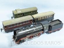 Brinquedo antigo Marklin Conjunto com Locomotiva e três Carros de Passageiros Ano 1939 Comprimento 115,00 cm