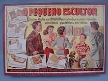 Brinquedos antigos -  - Rótulo da Caixa do brinquedo Pequeno Escultor fabricado pela Kiehl na década de 1960 Trabalho assinado pelo Artista Kraus