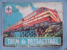 Brinquedos antigos -  - Caixa do Conjunto Trem de Passageiros fabricado em 1970 pela Estrela Brasil Trabalho assinado pelo artista Manolo