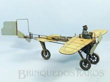 Brinquedos antigos -  - Avião com 32,00 Cm de envergadura fabricado pela Gunthermann Alemanha em lata Movimenta as Hélices e bate as asas com motor à corda Década de 1910