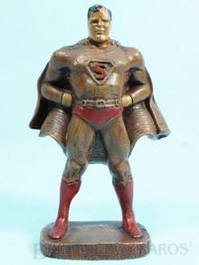 Brinquedos antigos -  - Figura do Super Homem Superman com 15,00 cm de altura Brinde distribuído pela DC Comics apenas 100 unidades produzidas em pó de madeira com resina Ano 1942