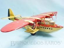Brinquedos antigos -  - Hidroavião Latécoère 521 com 49,00 cm de envergadura fabricado pela J.M.L. Jouet Magnim de Lyon, França em lata Motor à corda impulsiona as rodas de borracha Ano 1935