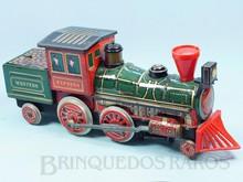Brinquedos antigos -  - Locomotiva Western Express com 37,00 cm de comprimento Apresenta o vagão de carvão incorporado Fabricada pela Modern Toys Japão em lata Motor à pilha Sistema Bate e Volta com som de apito e chaminé iluminada Década de 1950