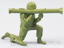 Brinquedo antigo Soldado ajoelhado com Bazuca fabricado pela MPC americana Figura Matriz do Soldado Toddy numero 1