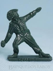 Brinquedo antigo Soldado Toddy atirando granada numerado 9
