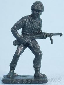 Brinquedo antigo Soldado Toddy de pé avançando com metralhadora Numerado 2