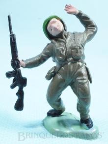 Brinquedo antigo Soldado inglês ferido fabricado pela Britains inglesa Figura Matriz do soldado Toddy número 10