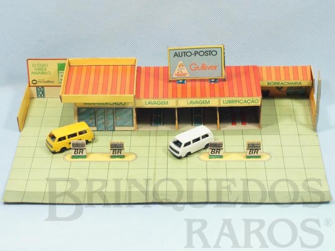 Brinquedo antigo Posto de Gasolina Auto posto Gulliver com 32,00 cm de largura Bandeira Petrobras Completo acompanha 4 carros Top Cars Collection Década de 1980