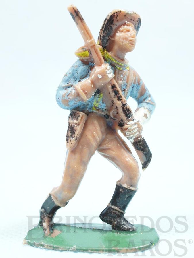 Brinquedo antigo Soldado da Sétima Cavalaria marchando com rifle Casablanca numerado 153