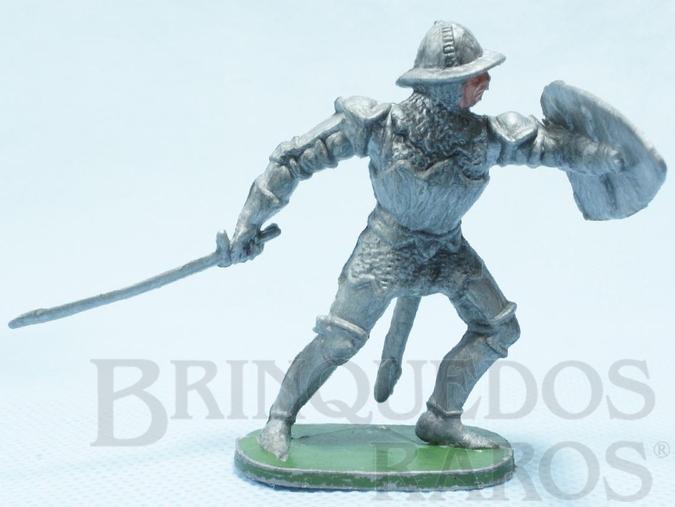 Brinquedo antigo Soldado medieval com Escudo e Espada Cópia Elastolin Série Os Cavaleiros do Rei Arthur Ano 1977