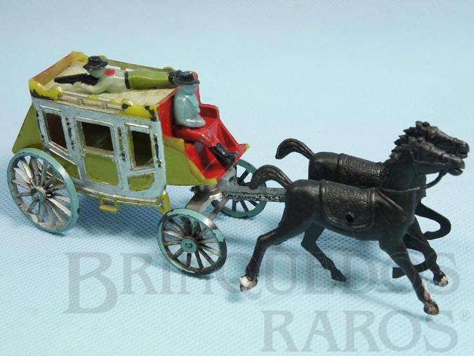Brinquedo antigo Diligência com dois cavalos e duas figuras 16,00 cm de comprimento Década de 1970