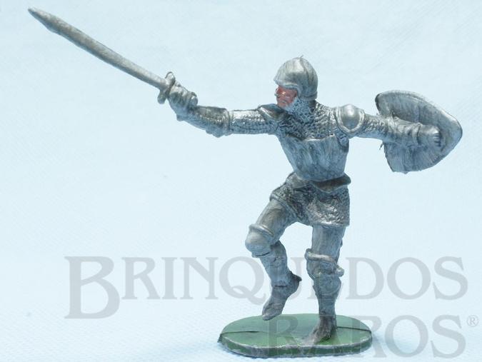 Brinquedo antigo Soldado medieval com Escudo e Espada plástico prata Cópia Elastolin Série Os Cavaleiros do Rei Arthur Ano 1977