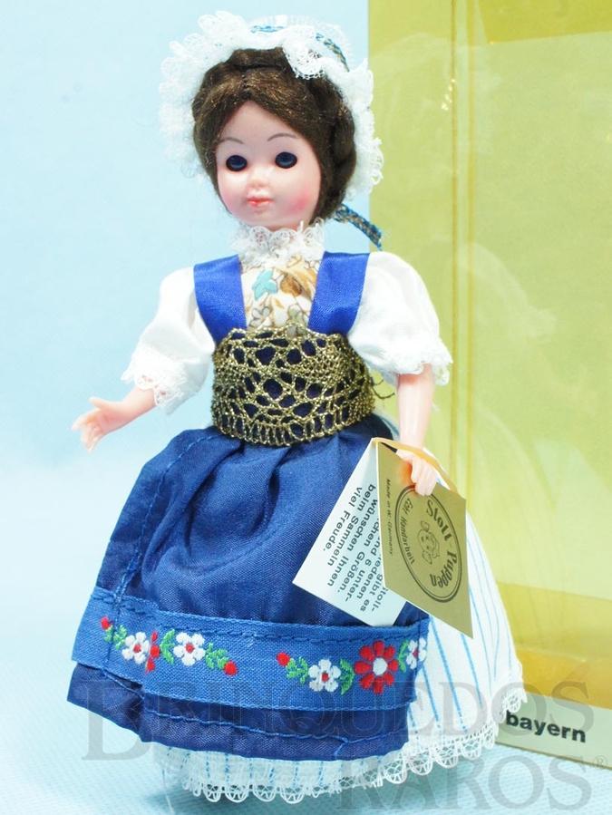 Brinquedo antigo Boneca com traje típico da Região da Baixa Baviera Alemanha 16,00 cm de altura Década de 1980