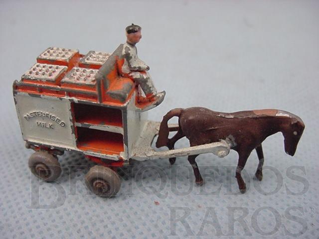 Brinquedo antigo Horse Draw Milk Float metal Regular Wheels laranja Ano 1954