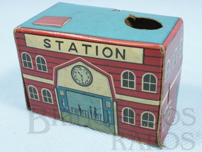 Brinquedo antigo Estação de passageiros com 5,00 cm de altura Década de 1960