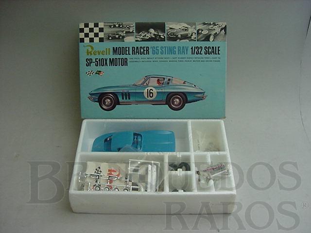 Brinquedo antigo Corvette Sting Ray 1965 azul lacrado na caixa