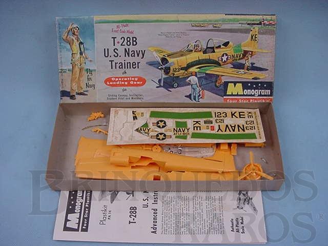 Brinquedo antigo Avião T-28B  U.S. Navy  Trainer