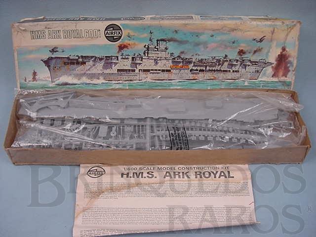 Brinquedo antigo Porta Aviões HMS Ark Royal