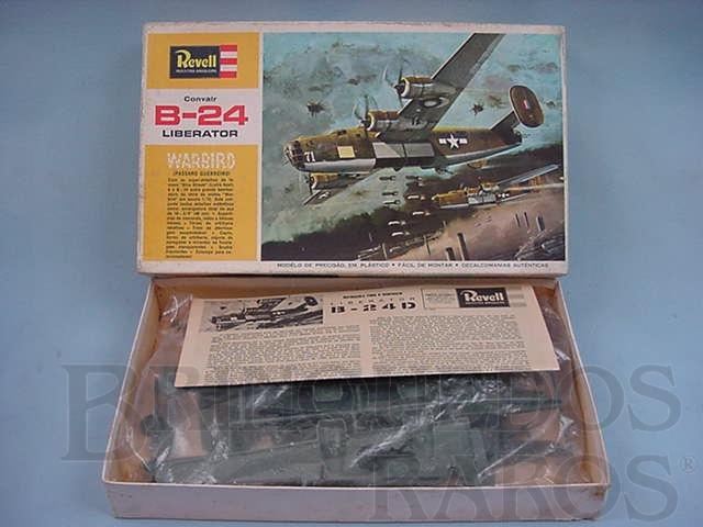 Brinquedo antigo Avião Convair B 24 Liberator