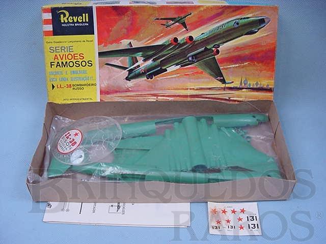 Brinquedo antigo Avião IL 38 Bison Bombardeiro Russo