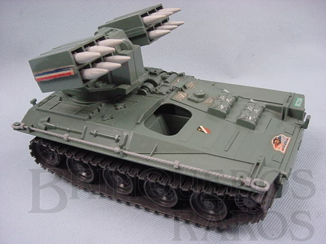 Brinquedo antigo Comandos em Ação Tanque lança foguete