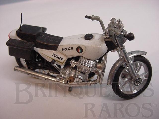 Brinquedo antigo Suzuki GT 750 da Policia