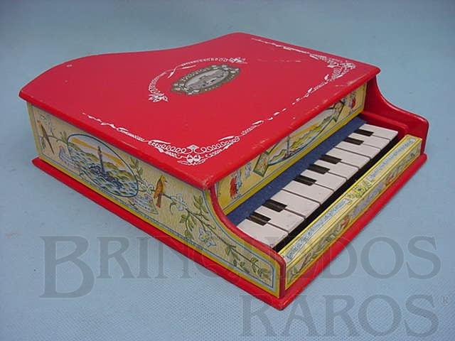 Brinquedo antigo Piano com 40,00 cm de largura Acabamento em papel Década de 1950