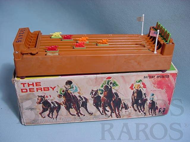 Brinquedo antigo Corrida de Cavalos The Derby com 30,00 cm de comprimento Década de 1970