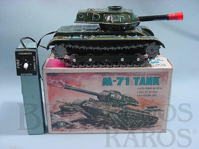 Brinquedo antigo Tanque de Guerra M71 Tank com comando por cabo Ano 1967