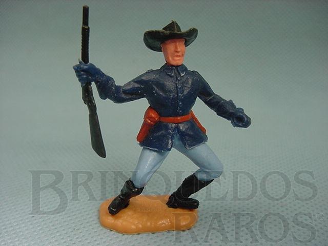 Brinquedo antigo Comandante da Sétima Cavalaria de pé com rifle