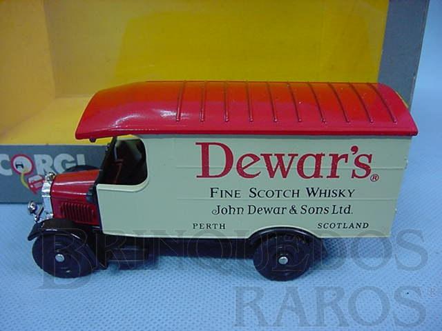 Brinquedo antigo Furgão Thornycroft Van Whisky Dewars