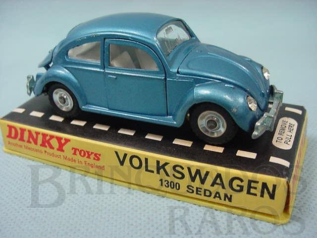 Brinquedo antigo Volkswagen Sedan 1300 azul metálico Década de 1970