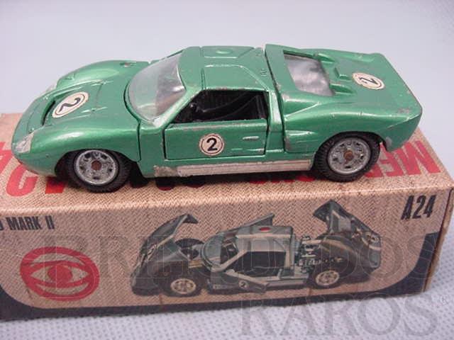 Brinquedo antigo Ford Mark II