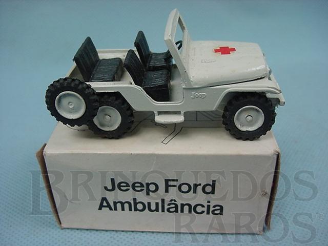 Brinquedo antigo Jeep Ford Willys Ambulância Década de 1970