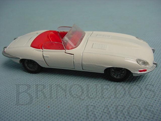 Brinquedo antigo Jaguar E Type conversível Década de 1960