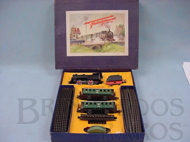 Brinquedo antigo Conjunto de locomotiva a vapor e dois Carros de passageiros Made in US Zone Ano 1954