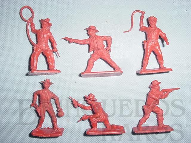 Brinquedo antigo Conjunto de seis Cowboys, sem pintura. Década de 1960