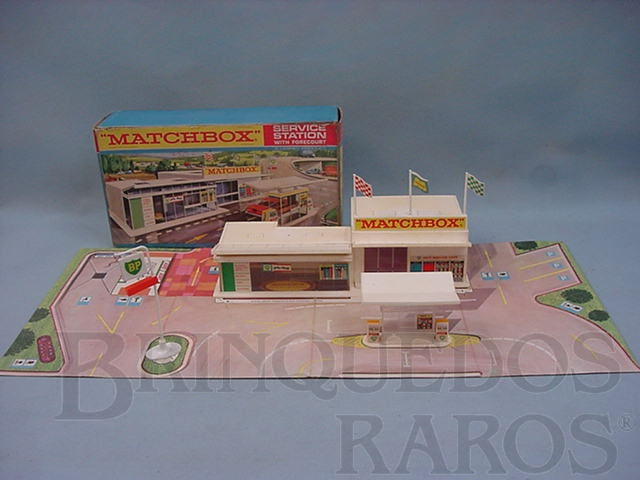 Brinquedo antigo Posto de gasolina Service Station Whit Forecourt completo Década de 1960
