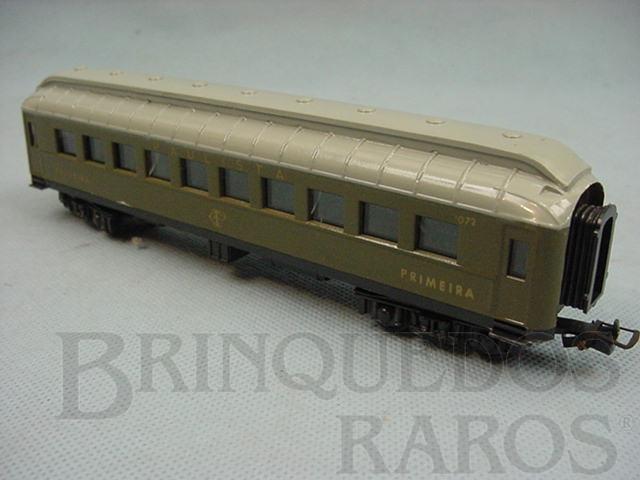 Brinquedo antigo Carro de Passageiros verde Companhia Paulista primeira classe Década de 1960